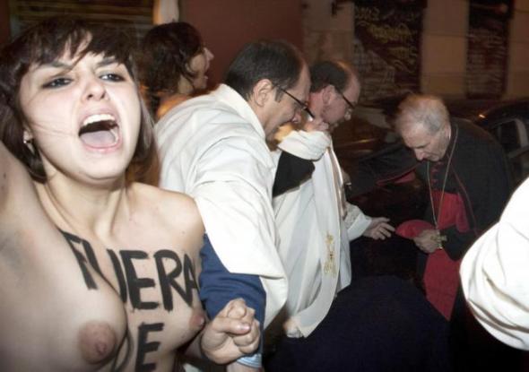 Rouco aborto y Femen 2014