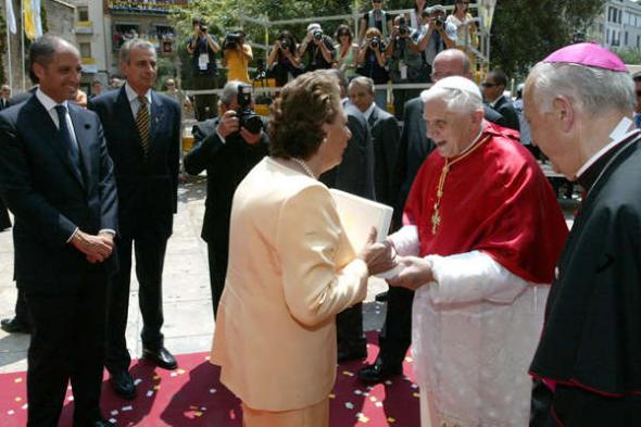 Ratzinger y alcaldesa Valencia 2006