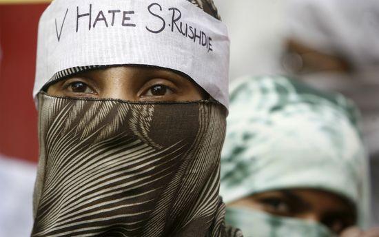 protesta contra Rushdie Pakistán 2007