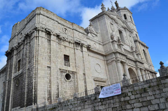 pancarta catedral Valladolid 2014