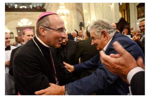 Mujica con arzobispo Montevideo 2014