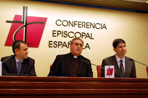 Iglesia rueda prensa IRPF 2014