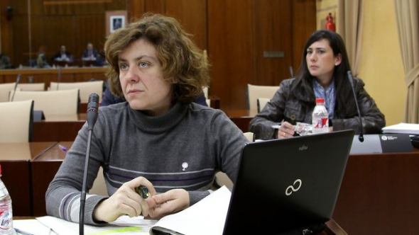 Alba Doblas IU Parlamento AND