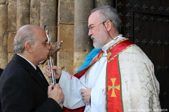 Fernández Díaz, el obispo y la Guardia Civil 2014