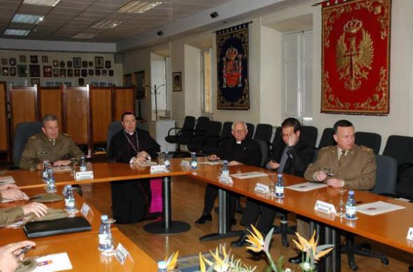 arozbispo castrense en el MADOC Granada