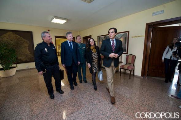 alcalde de Córdoba y policía 2014