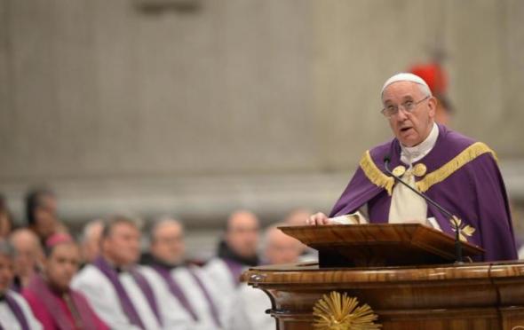 Bergoglio oficia misa