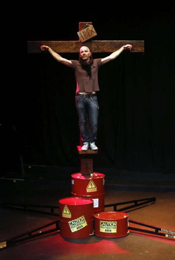 Eduardo Velasco teatro El profeta loco