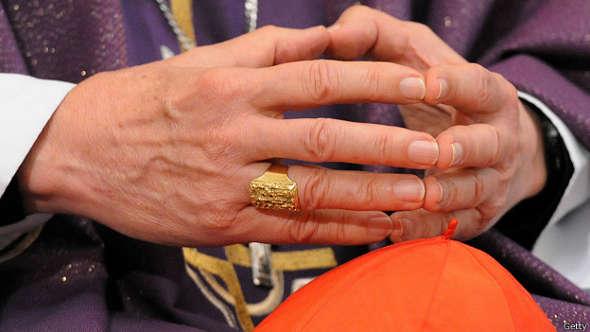 obispo manos