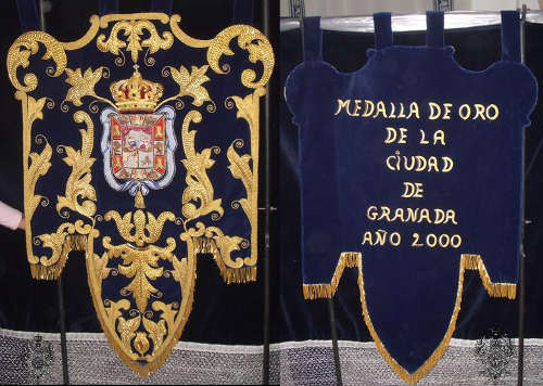 medalla oro Santa Maria Alhambra 2000