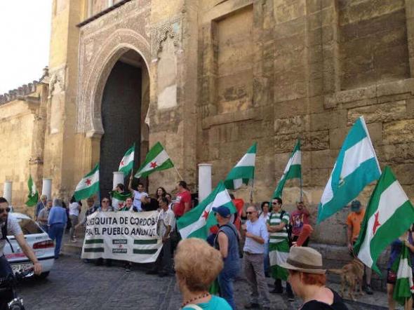 Mezquita Córdoba Protesta Nación Andaluza 2014