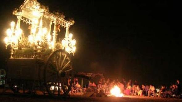 candela romería al Rocío