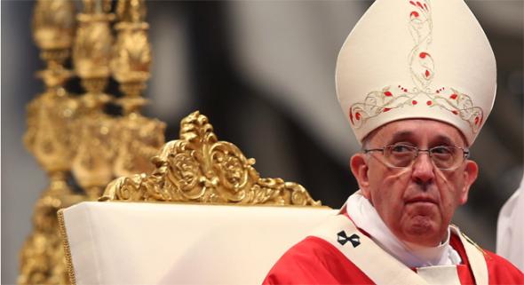 Bergoglio en misa