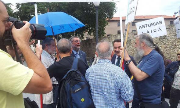 Asturias Laica Bendición de las aguas 2014 d