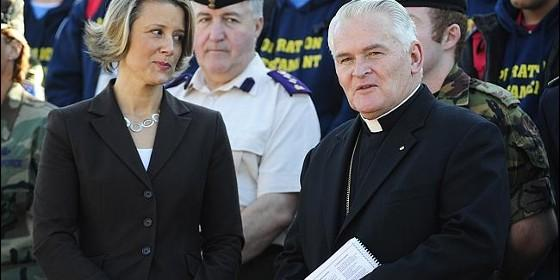 Max Davis obispo castrense Australia abusos 2014