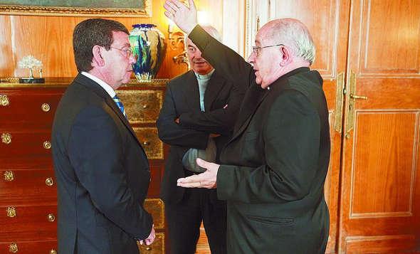 Presidente Diputación y obispo Burgos 2014