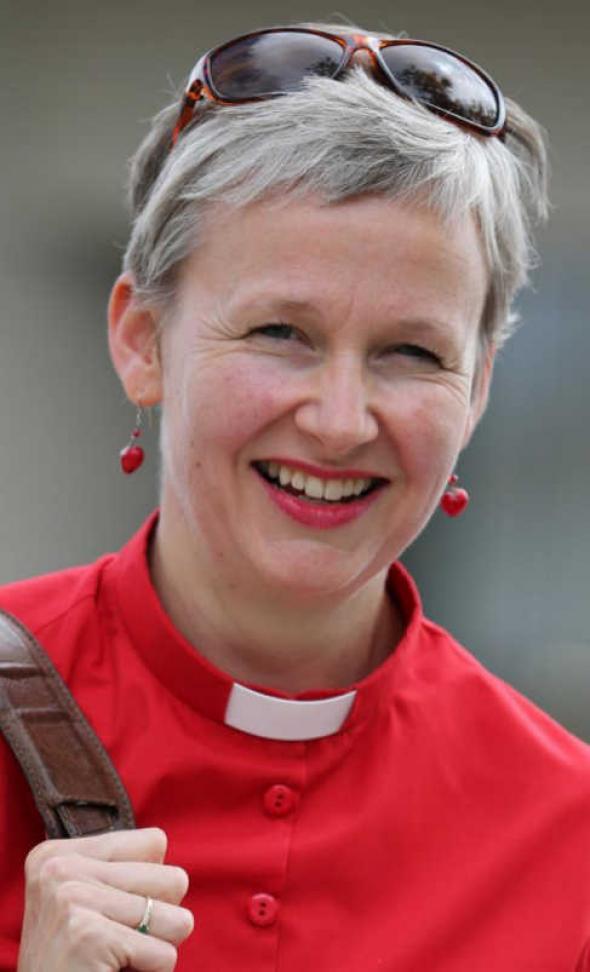 Rosemary sacerdotisa anglicana