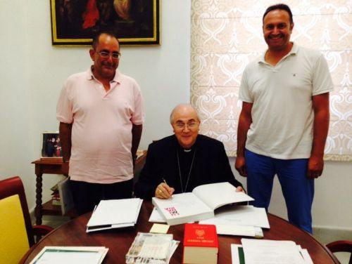 Alcalde de Felix con Obispo Almería San Roque Alcalde perpetuo