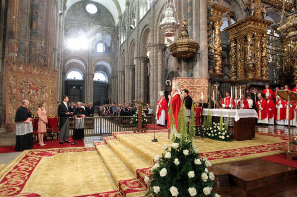 Felipe VI ofrenda Santiago 2014