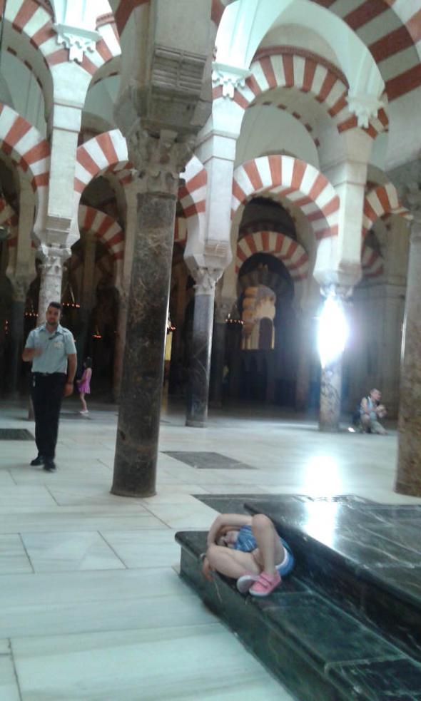 mezquita Córdoba Guarda jurado