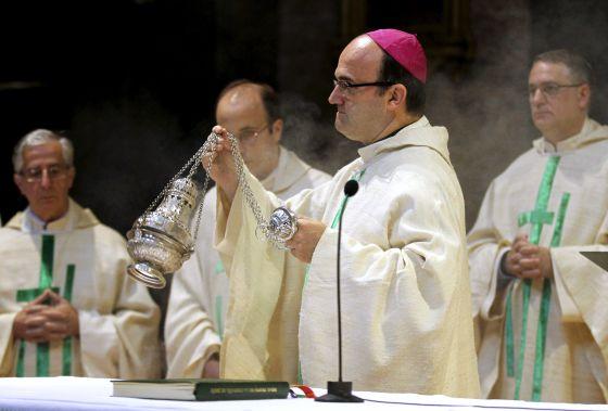 Munilla en misa