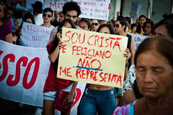 mani contra político evangelista en Brasil