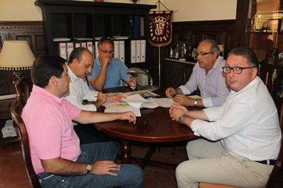 Alcalde y cofradías ?beda cesiones ferial 2014