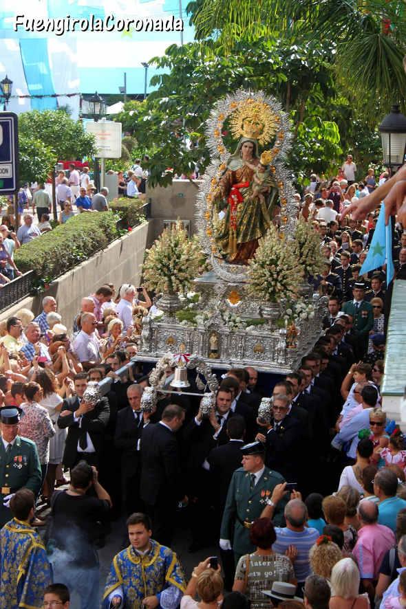 hombres de trono de la Hermandad del Rosario Fuengirola