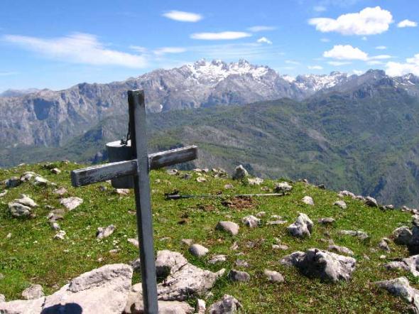 Cruz en Picos de Europa