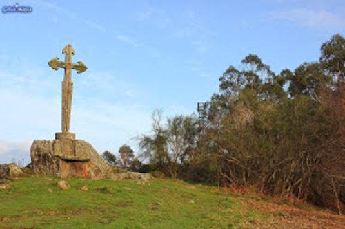Cruz de Santiago en los montes de Ermelo (Pontevedra)