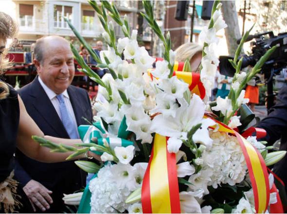 Ofrenda floral Virgen Angustias Granada 2014 alcalde