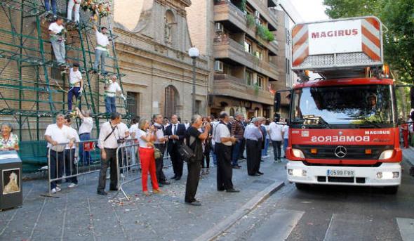 Ofrenda floral Virgen Angustias Granada 2014 bomberos