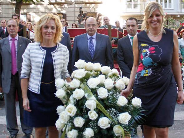 Ofrenda floral Virgen Angustias Granada 2014 Diputación