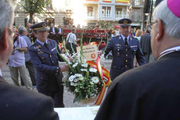 Ofrenda floral Virgen Angustias Granada 2014 Ejército del Aire
