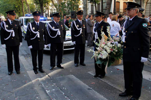 Ofrenda floral Virgen Angustias Granada 2014 Policía Local