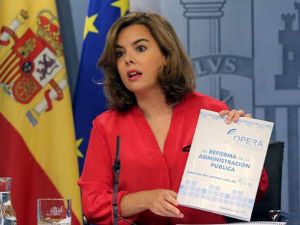 Soraya vicepresidenta en rueda de prensa 2014