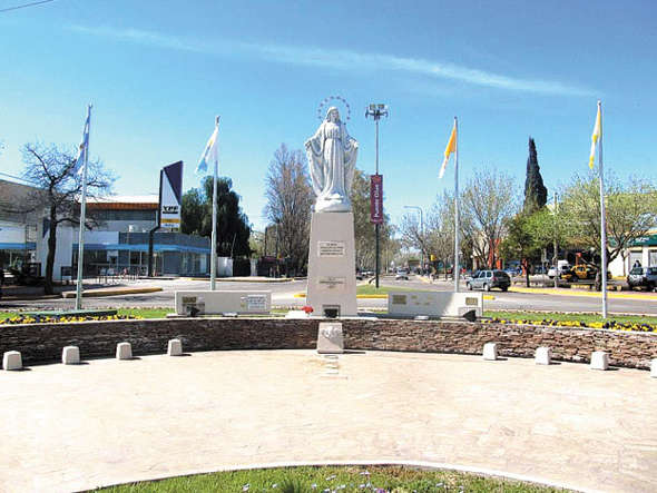 virgen en una plaza Argentina 2014