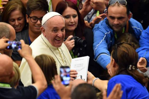 Bergoglio encuentro paralímpicos 2014