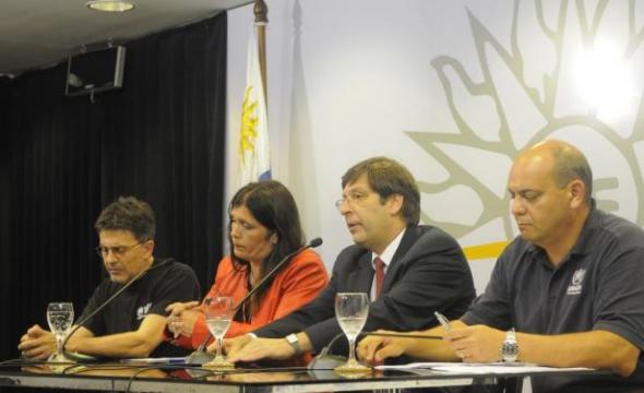 rueda prensa llegada refugiados sirios Uruguay 2014
