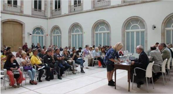 Entrega ILP nueva Ley Educación Parlamento Cataluña