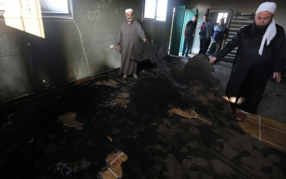 mezquita incendiada por ultrajudíos en Palestina 2014