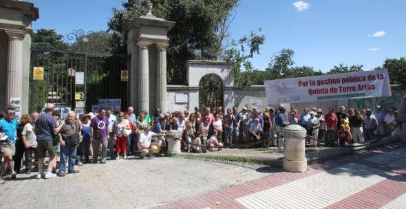 Protesta vecinal no cesión Torre Arias al Opus