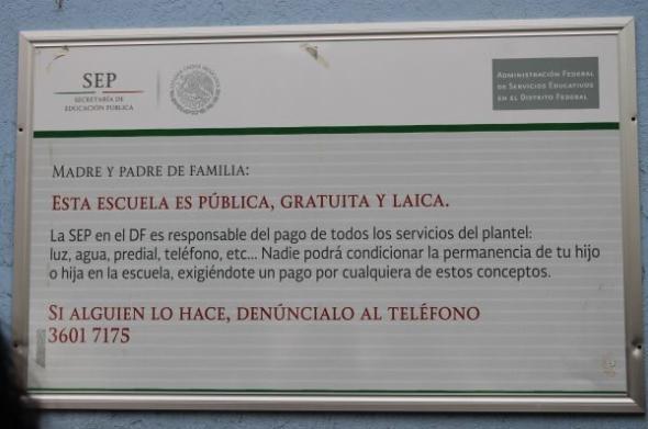 Cartel escuela laica México