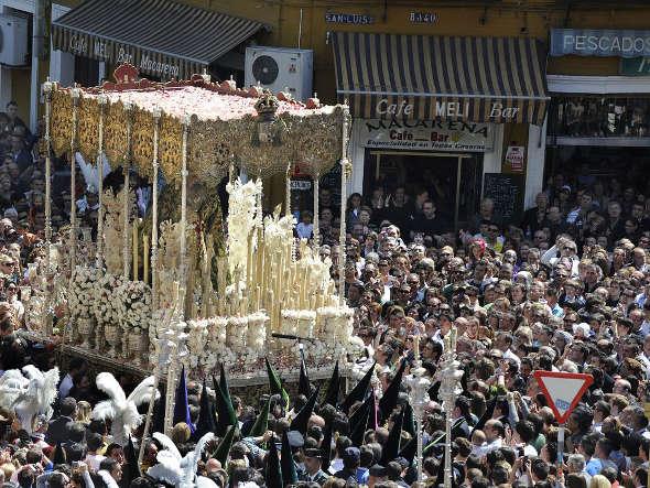 procesion Macarena Sevilla