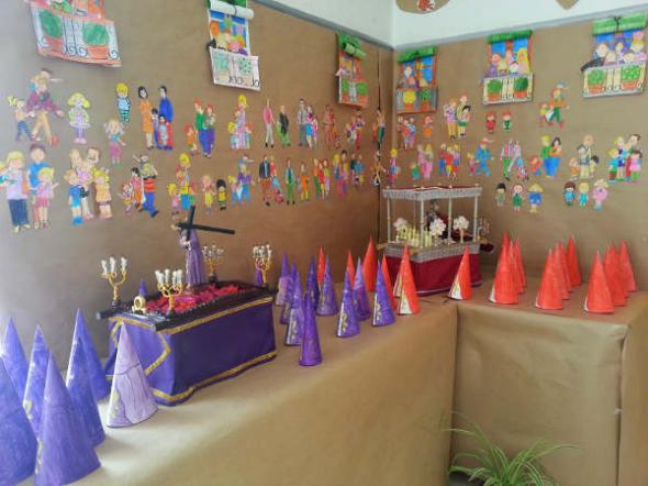 nazarenos colegio Dos Hermanas 2014