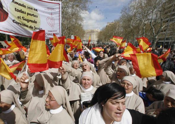 Presencia de autoridades en el acto de beatificación del padre Hoyos en Valladolid