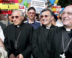 Mani obispos aborto