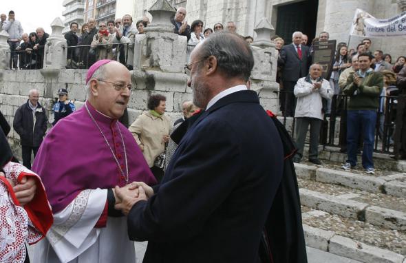 Autoridades en la toma de posesión del nuevo arzobispo de Valladolid, Ricardo Blázquez