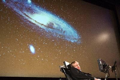 El científico británico Stephen Hawking, durante una conferencia sobre 'la creación del universo', que ofreció en septiembre de 2009, con ocasión del 450º aniversario de la Universidad de Ginebr