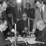 firma acuerdos 1976 Marcelino Oreja